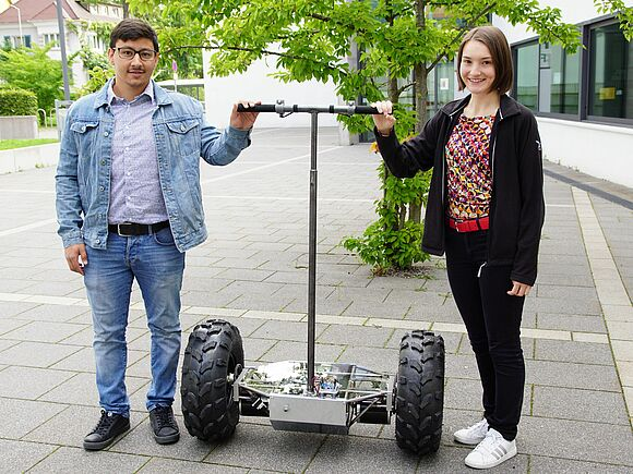 Segways im Eigenbau - Praktische Projekte in der Fakultät Mechanical and Medical Engineering (I17133)