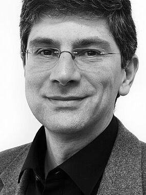 Dirk Benyoucef