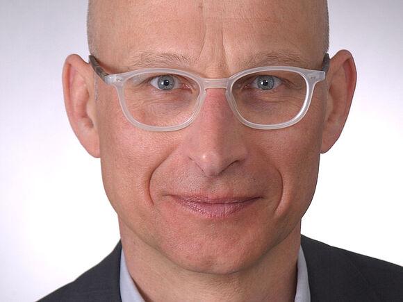 Erwin Scherfer: Neuer Professor für Studiengang Physiotherapie