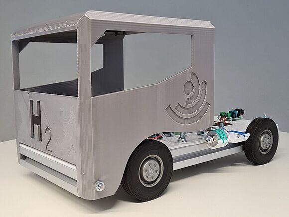 Innovationsprojekt Brennstoffzellen-Truck im Maßstab 1:16
