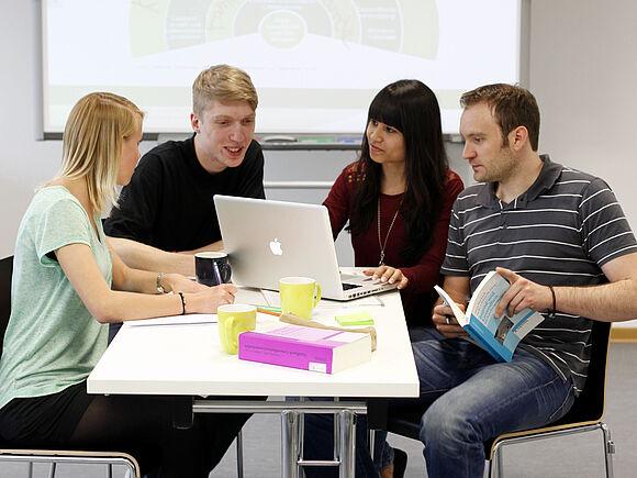 Studienprojekte, Praxis- und Auslandssemester (I5051-1)