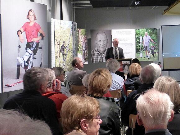 """Vernissage der Ausstellung """"Ein Teil von mir"""" im Uhrenindustriemuseum Schwenningen (I9573)"""