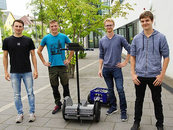 Segways im Eigenbau - Praktische Projekte in der Fakultät Mechanical and Medical Engineering (I17132)