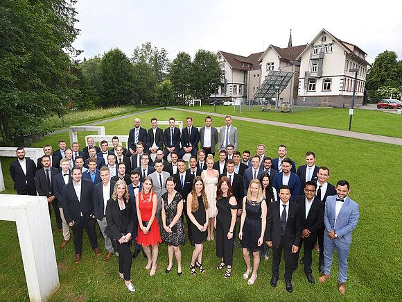 Graduierungsfeier: Fakultät verabschiedet über 80 Absolventen (I8036)