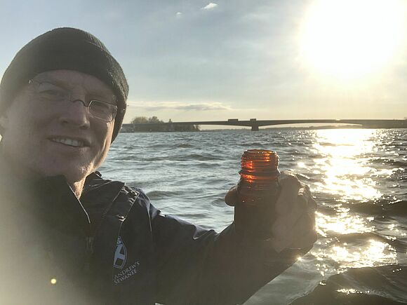 Prof. Fath plant Donau zu durchschwimmen (I18391)