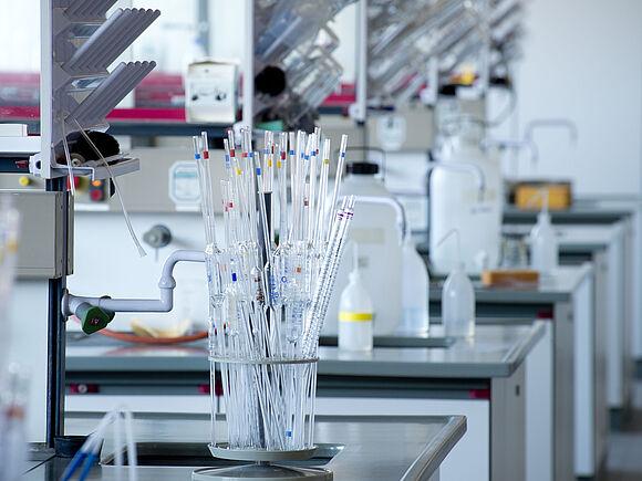 Biochemistry Lab (I17543-1)