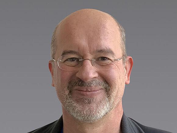 Akademischer Mitarbeiter: Raphael Gilles (I1)