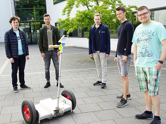 Segways im Eigenbau - Praktische Projekte in der Fakultät Mechanical and Medical Engineering (I17134)