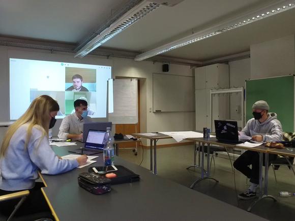 Marketing- und Vertriebslabor der Fakultät Wirtschaftsingenieurwesen im Betrieb (I18097)