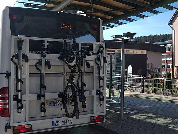 Shuttle-Bus nimmt jetzt Fahrräder mit (I7526)