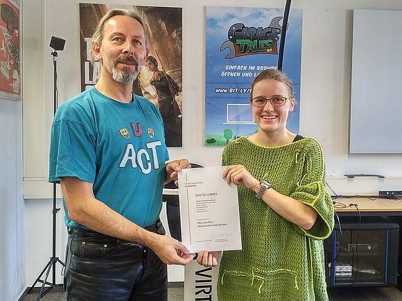 "Erste Absolventen mit Zertifikat ""Digital Games"" (I11017)"