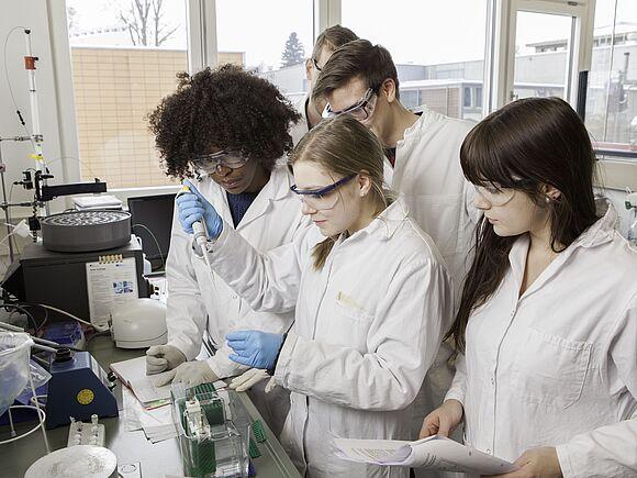 Biochemistry Lab (I17543-2)