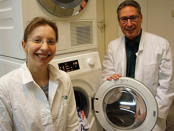 Listening in on laundry germs as they grow