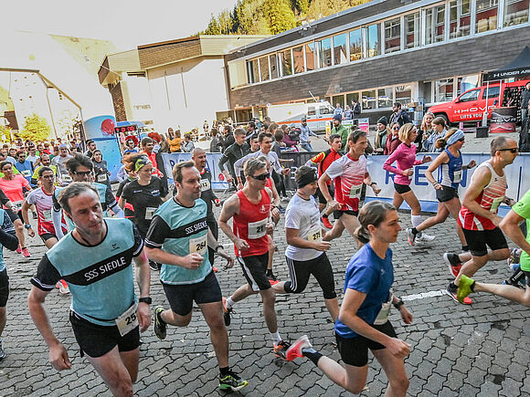 15. HFU Black Forest Run mit Teilnehmer- und Temperaturrekord